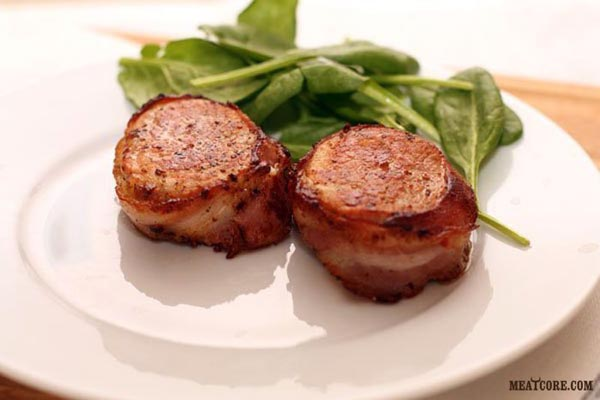 Свиные медальоны в беконе с соусом рецепт 5