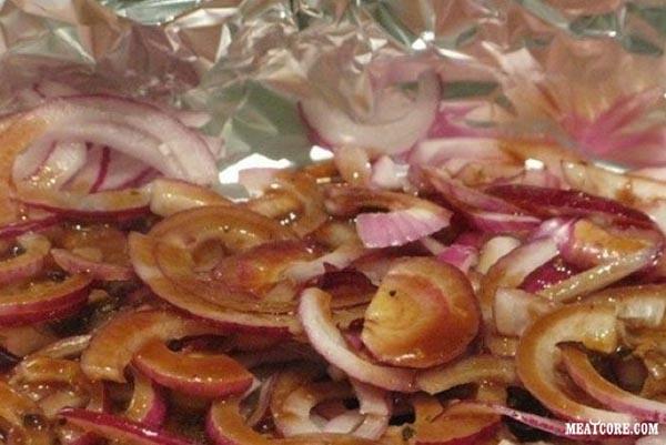 Как запекать мясо свинины в духовке.