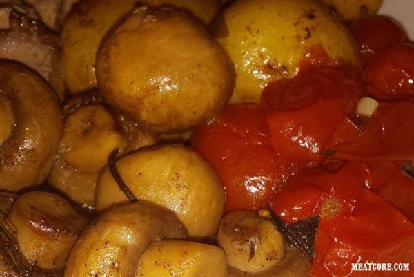 Картофель с помидорами и курицей в духовке рецепт с фото