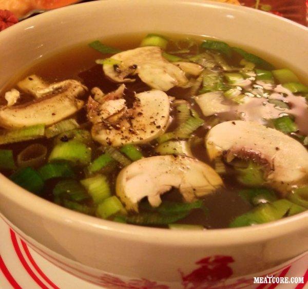Кукурузный суп с курицей и куриный суп с грибами шиитаке
