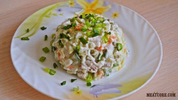 Сытный мясной салат по-русски
